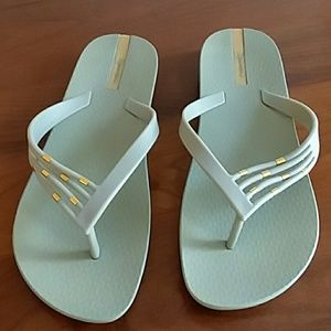 Brand new Ipanema flip flops size 9